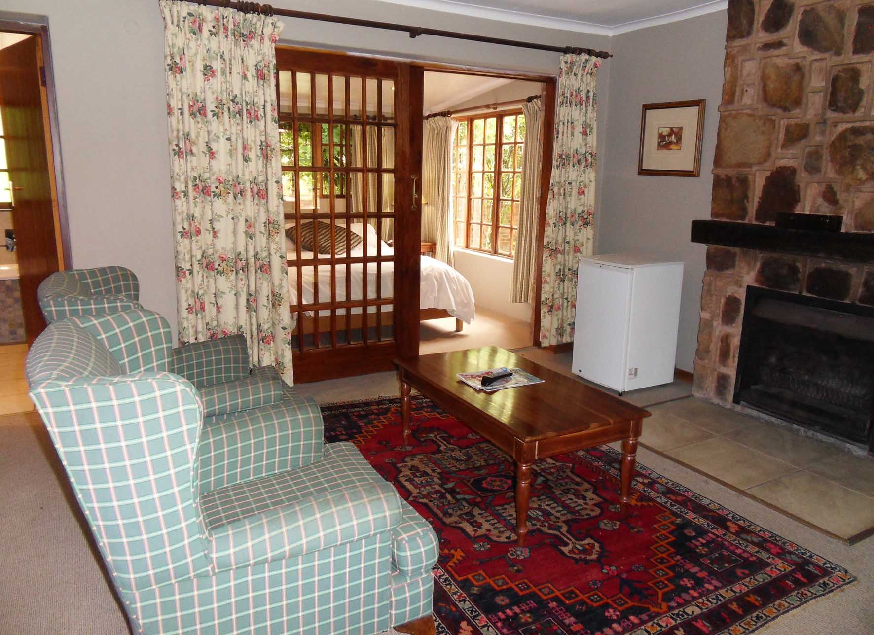 http://critchley.hotelian.co.za/wp-content/uploads/2016/05/Hotelian_Critchley_Hackle_Garden_Cottage_02.jpg